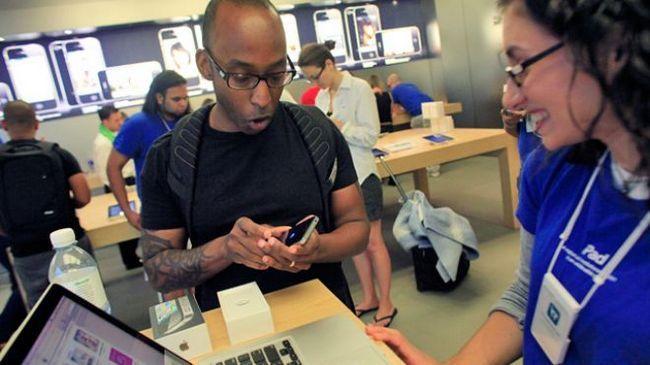 Фірмові магазини apple травмують своїх відвідувачів
